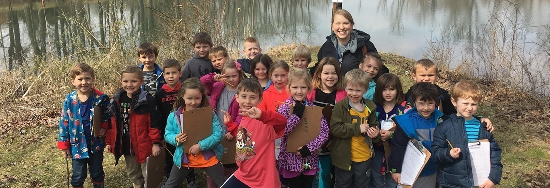 GES Kindergartners Walk to Ebaugh Pond at Denison to Study Animals