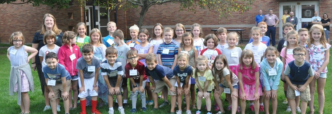 K-Kids 2nd Grade Group Outside GES